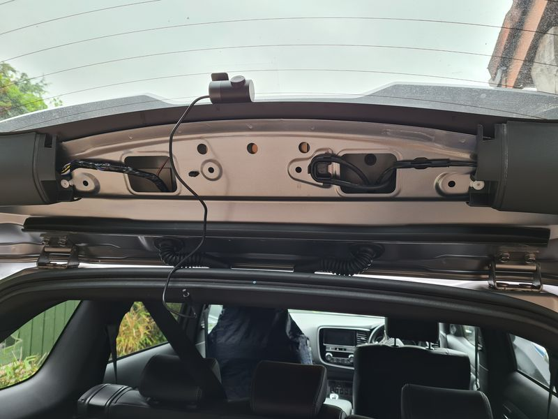 Rear Outlander dash cam cable routing